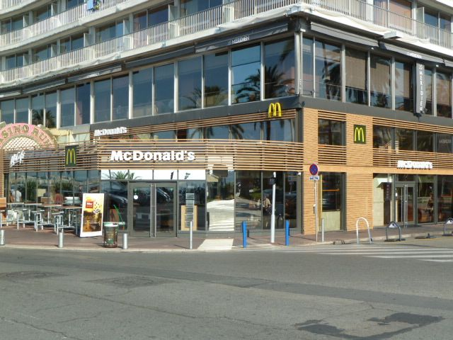 bienvenue dans votre restaurant mcdonald 39 s nice promenade. Black Bedroom Furniture Sets. Home Design Ideas