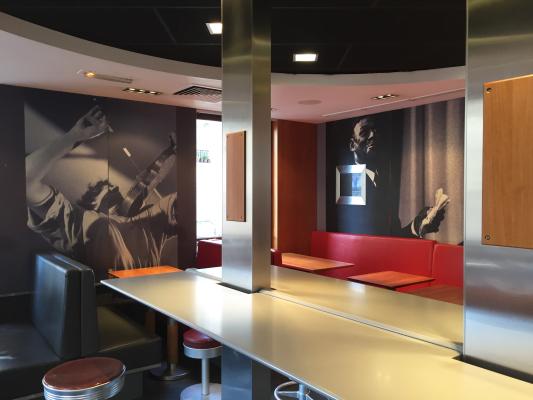 orsel lobby 1.JPG