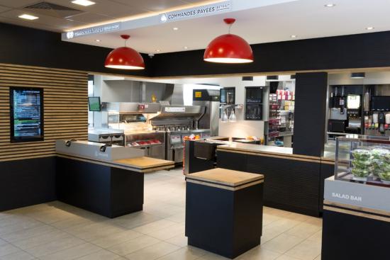 Comptoir McDonald's Villeurbanne Gratte-Ciel.jpg