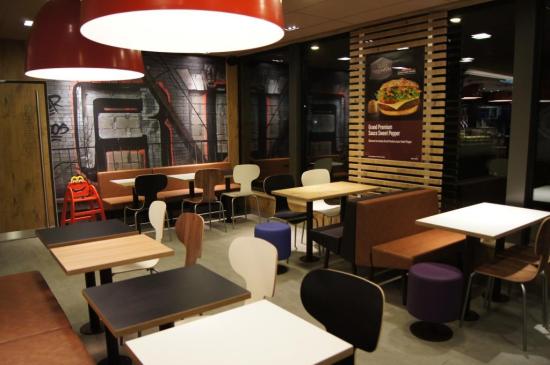 McDonald's Voiron centre ville .JPG