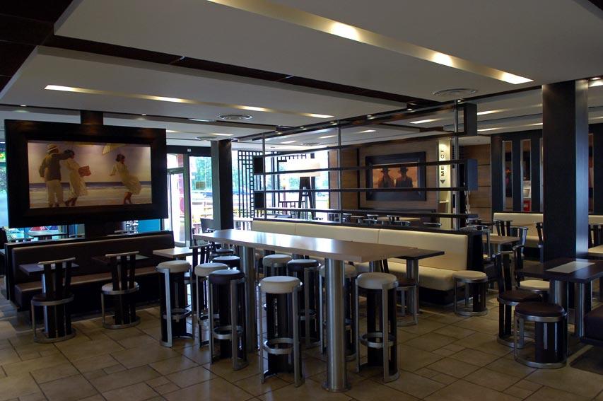 Salle restaurant Mc DO les Mureaux.jpg