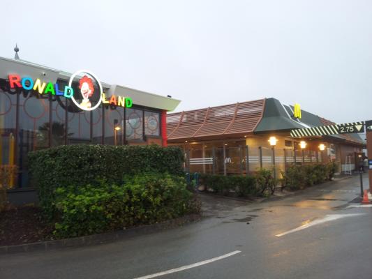 saintes route coteaux centre commercial leclerc sortie autoroute A10 2.JPG