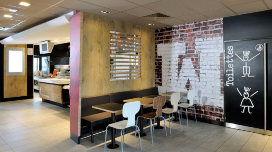 photo_McDo_Morteau_Salle_Mac Do_Deco_Street_art.jpg